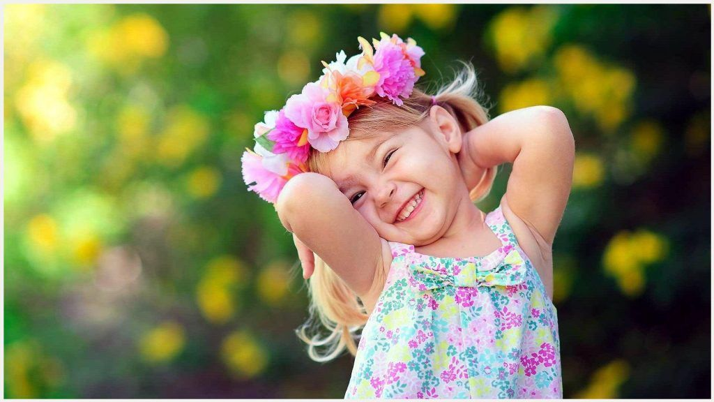 cute small girl smile wallpaper cute small girl smile wallpaper