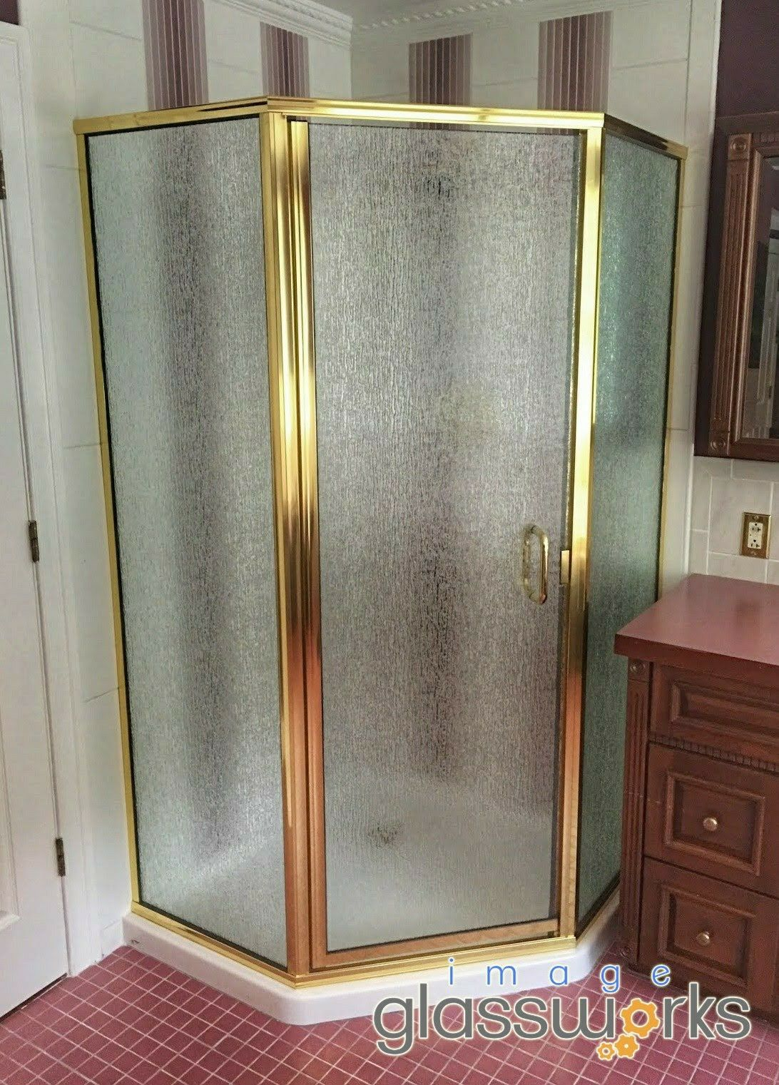 Here Is A Semi Frameless Neo Angle Using Brass Hardware And Rain