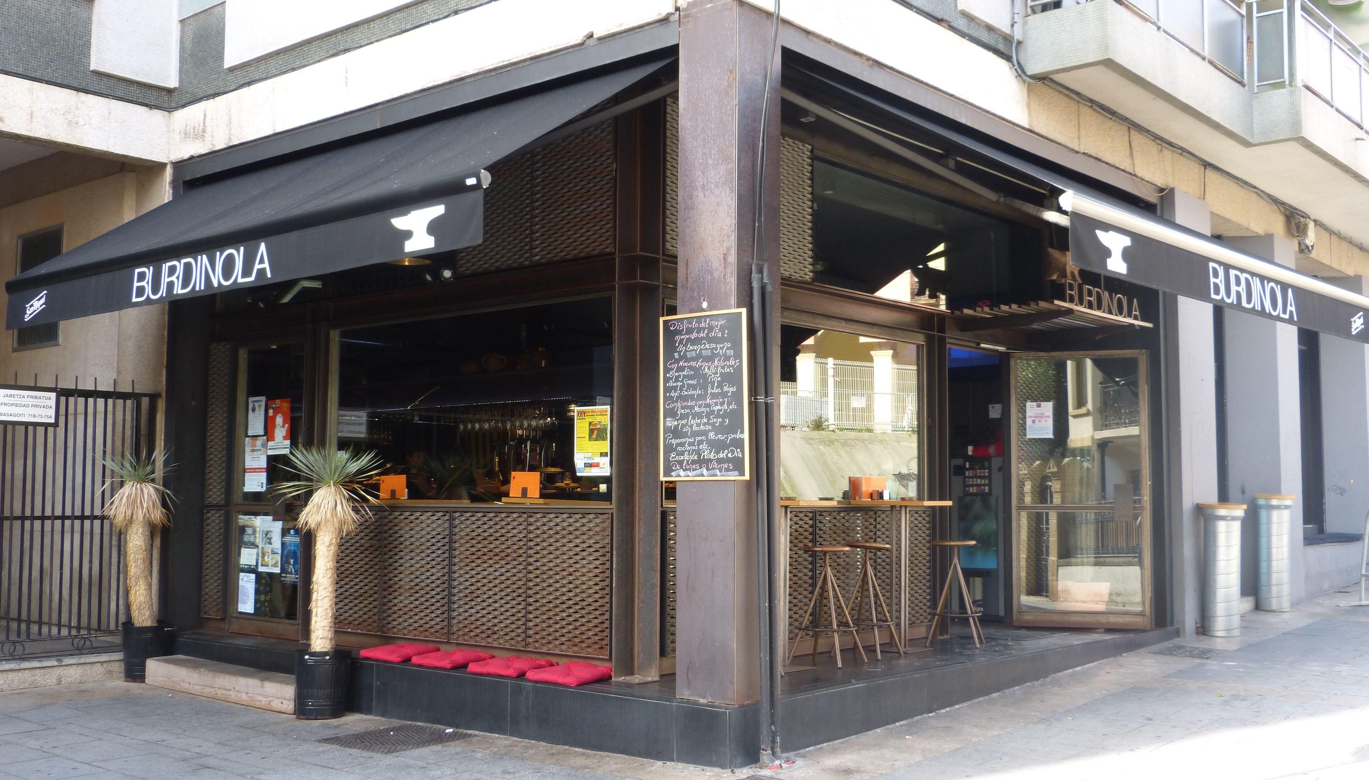 BURDINOLA Avda. Basagoiti, 75 (Plaza San Nikolas) 48991 ALGORTA/GETXO Tel. 946852137 www.facebook.com/pages/Burdinola/1529479350614655?fref=ts #bar #pintxos #cafe #getxo #getxotienepremio