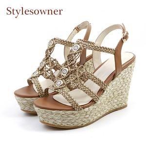 ba2310daf85 Woman s Shoes – Laura s Laine