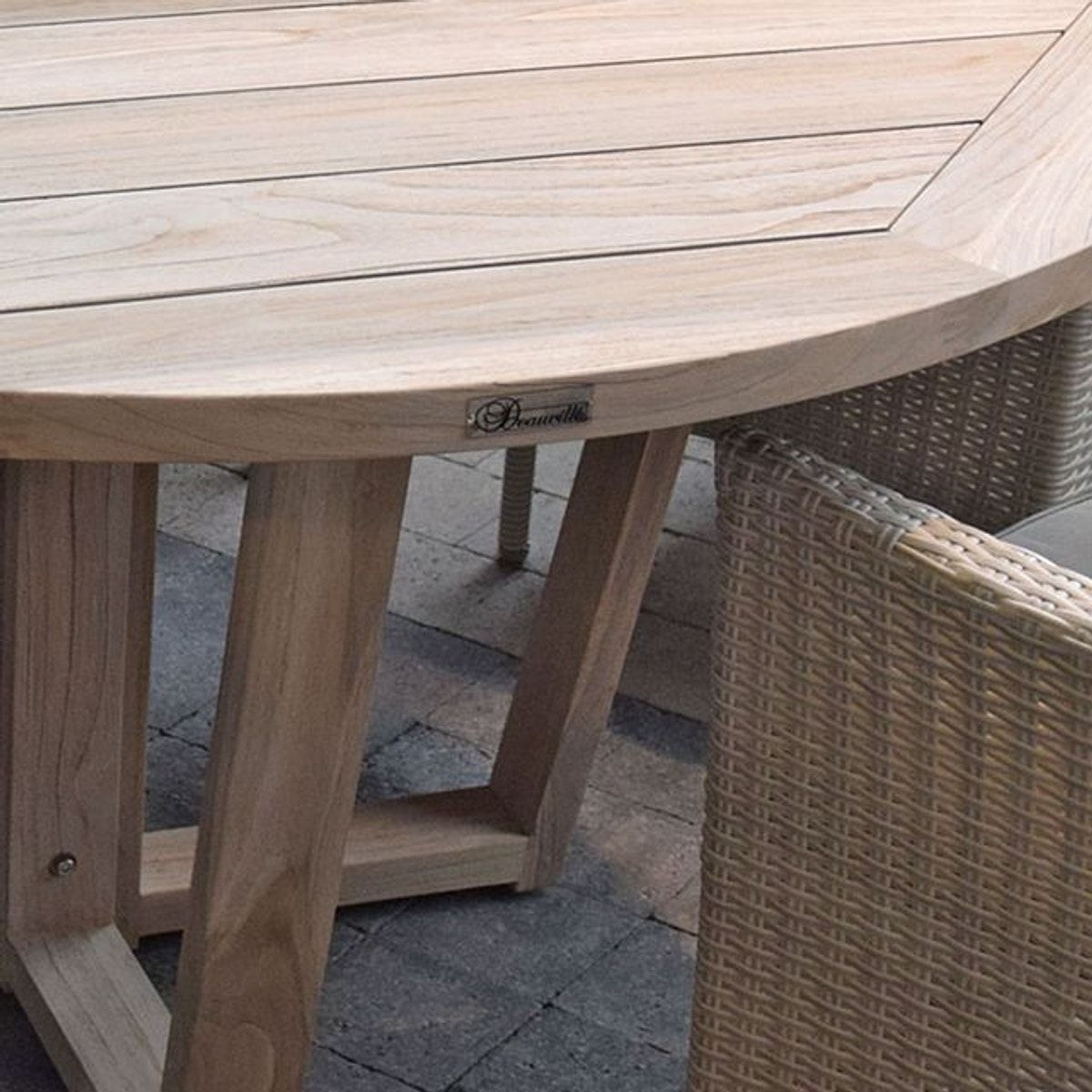Table ronde en teck massif recycl 150 cm newhaven Mobilier de jardin en teck massif