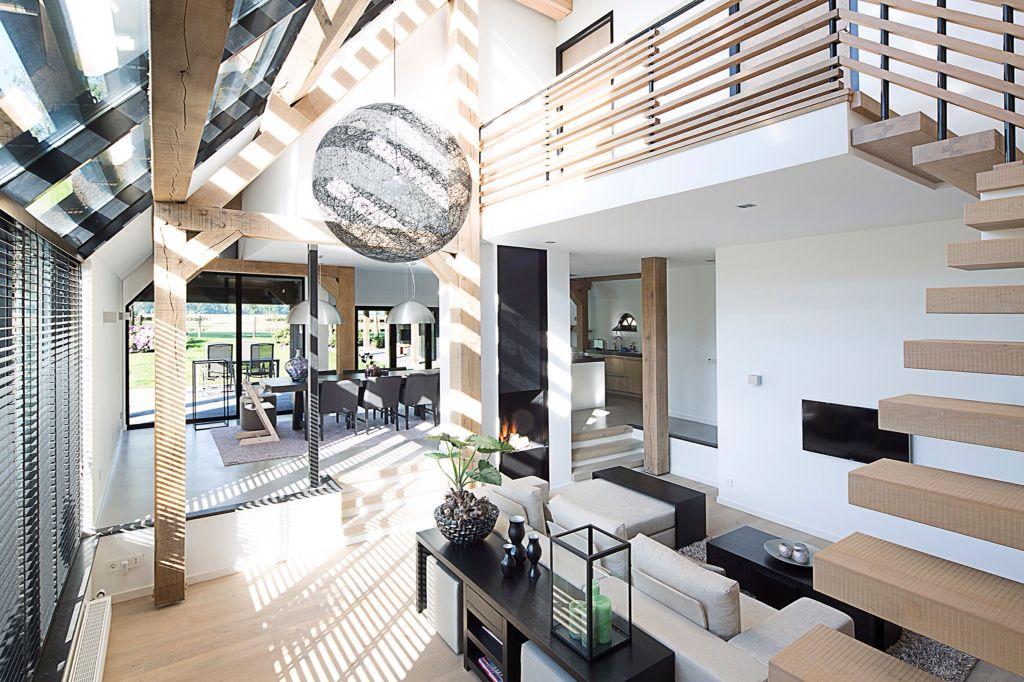 Interieur van een moderne woonboerderij ontworpen door for Interieur architecten