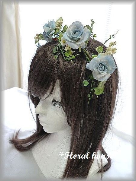 アーティフィシャルフラワー(造花)でカチューシャをつくりました。生花ではなかなか出せないお色の薔薇です。造花ですが本物みたいに綺麗です。花材:薔薇 ベリー ...|ハンドメイド、手作り、手仕事品の通販・販売・購入ならCreema。