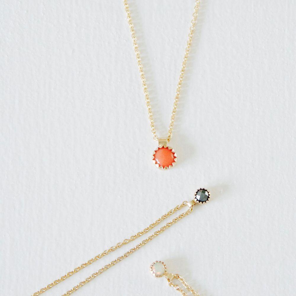 NO79 - No79 coral charm