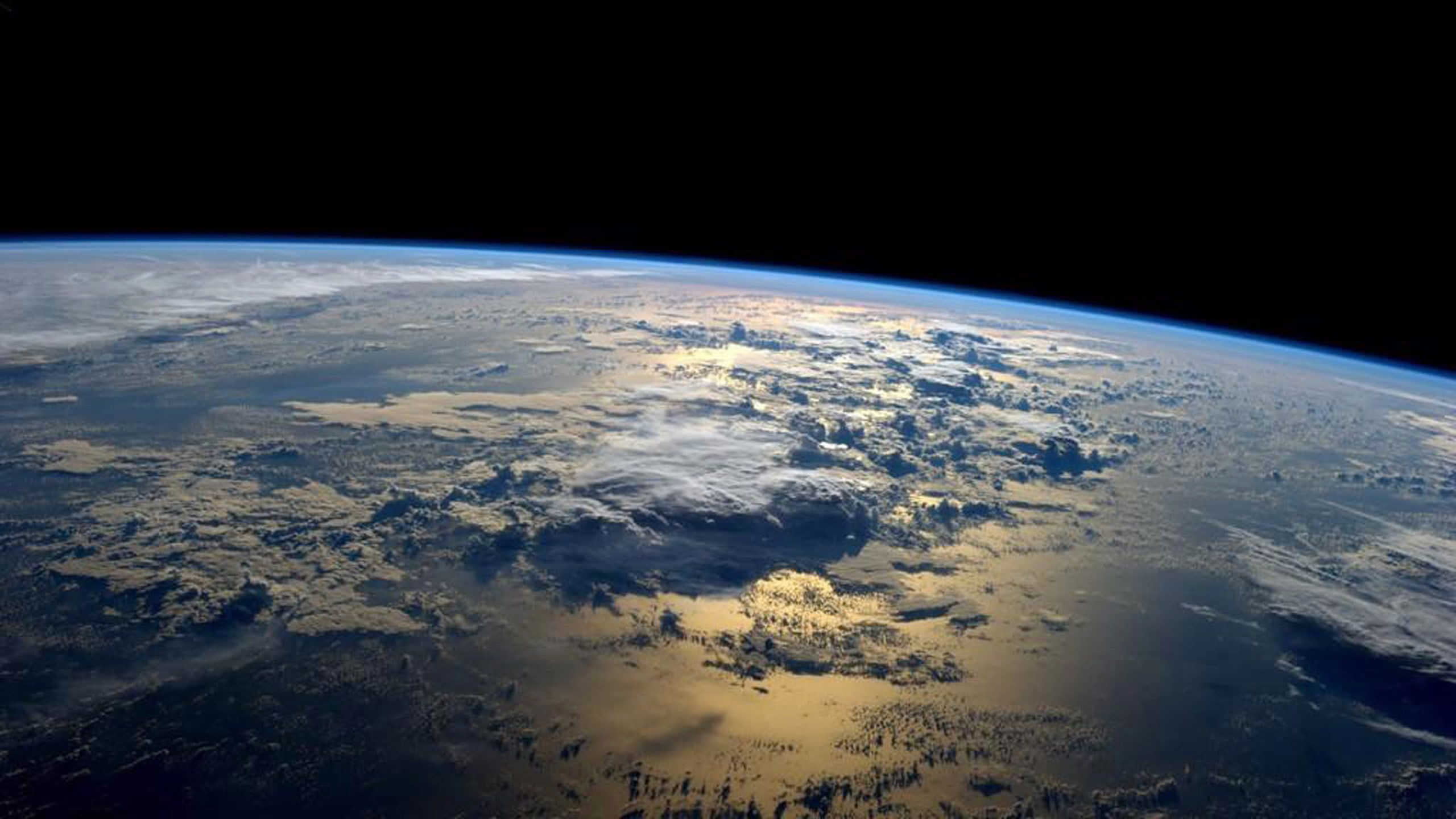 Earth Seen From The International Space Station 2k Wallpaper Hdwallpaper Desktop Earth From Space New Continent Earth