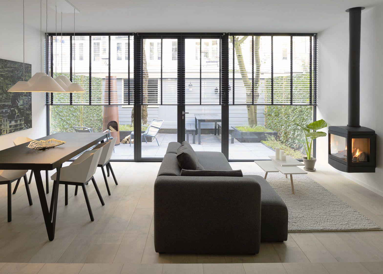 Frederik roijé designs minimal interior for amsterdam apartment