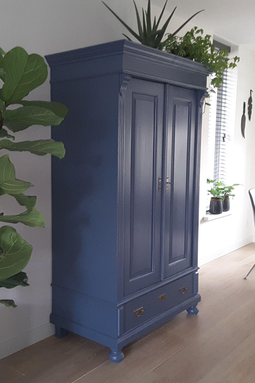 Blue Beauty Deze Kast Staat Geweldig Antieke En Brocante