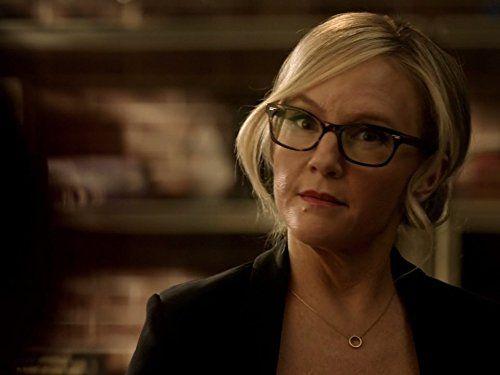 Dr Linda Martin Makes A New Friend In Lucifer Season 3 Lucifer Rachael Harris Linda