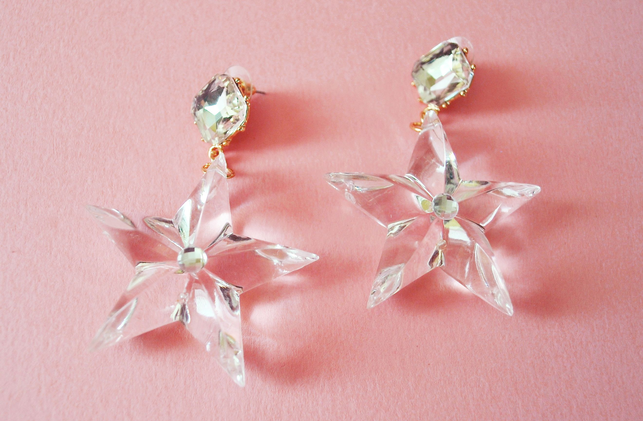 Add some bold sparkle to your evening attire with these lucite acrylic earrings, boasting a big beautiful diamante post, and dripping with Old...