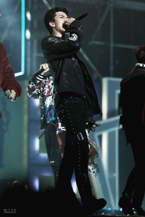 Sehun - 170119 26th Seoul Music Awards Credit: 여기잇츄. (제26회 서울가요대상)