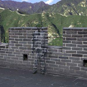 Liu Bolin, performeur chinois; l'homme invisible ou l'art du camouflage, un travail minutieux & incroyable; à voir à Paris dans la Gallery Paris Beijing