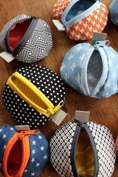Rondes et colorées – petits sacs en morceaux de tissu   – Nähen