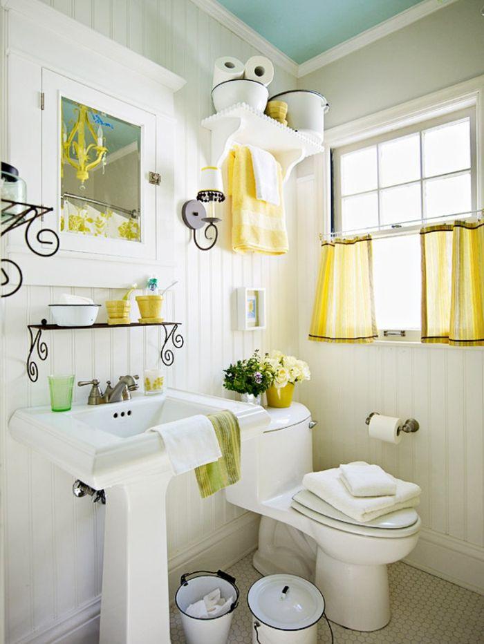 ideen für badeinrichtung - gelbe tücher - weiße wände | Badezimmer ...