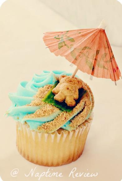 Teddy at the Beach Cupcakes