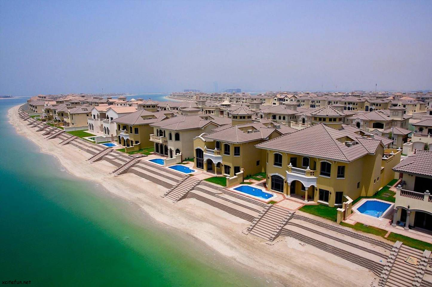 Single family homes at the palm jumeirah dubai uae