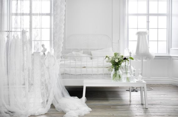 Witte Slaapkamer Ikea : In deze witte slaapkamer kom je helemaal tot rust ikea