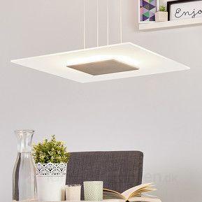 Kvadratisk LED-hængelampe med glasskærm.