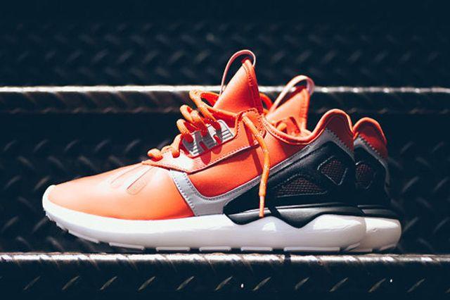 Adidas originali tubulare (arancione / nero) di scarpa da ginnastica sgorbio