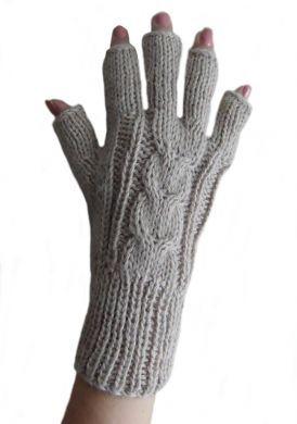 Beige fingerfreie #Damen #Handschuhe aus #Alpakawolle, #Handy #Handschuhe. Warme fingerfreie #Strickhandschuhe aus peruanischer Alpakawolle. Ideal für draußen. Z.b zum Handy bedienen ohne die Handschuhe auszuziehen zu müssen.
