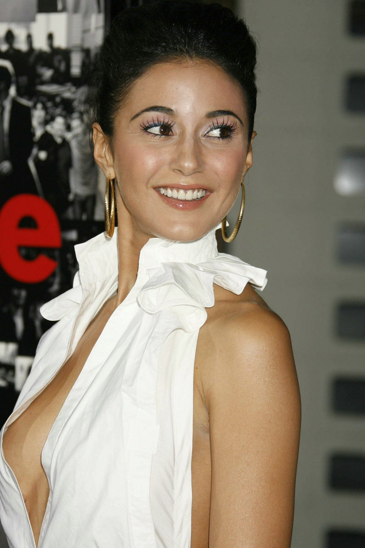 Emmanuelle Sophie Anne Chriqui Nude