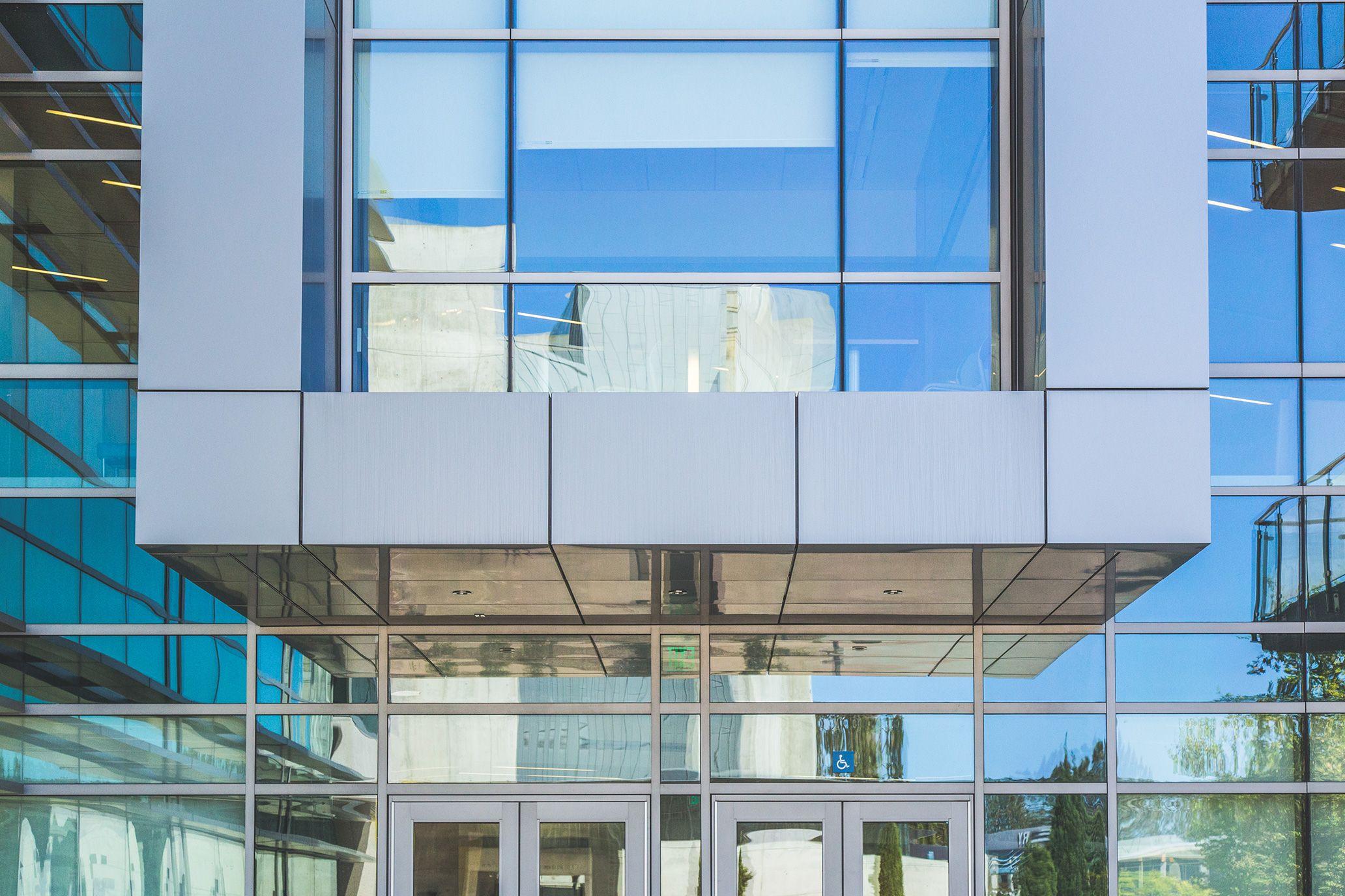 Key Features • Alcoa Reynobond Aluminum Composite Panels and Soffits ...