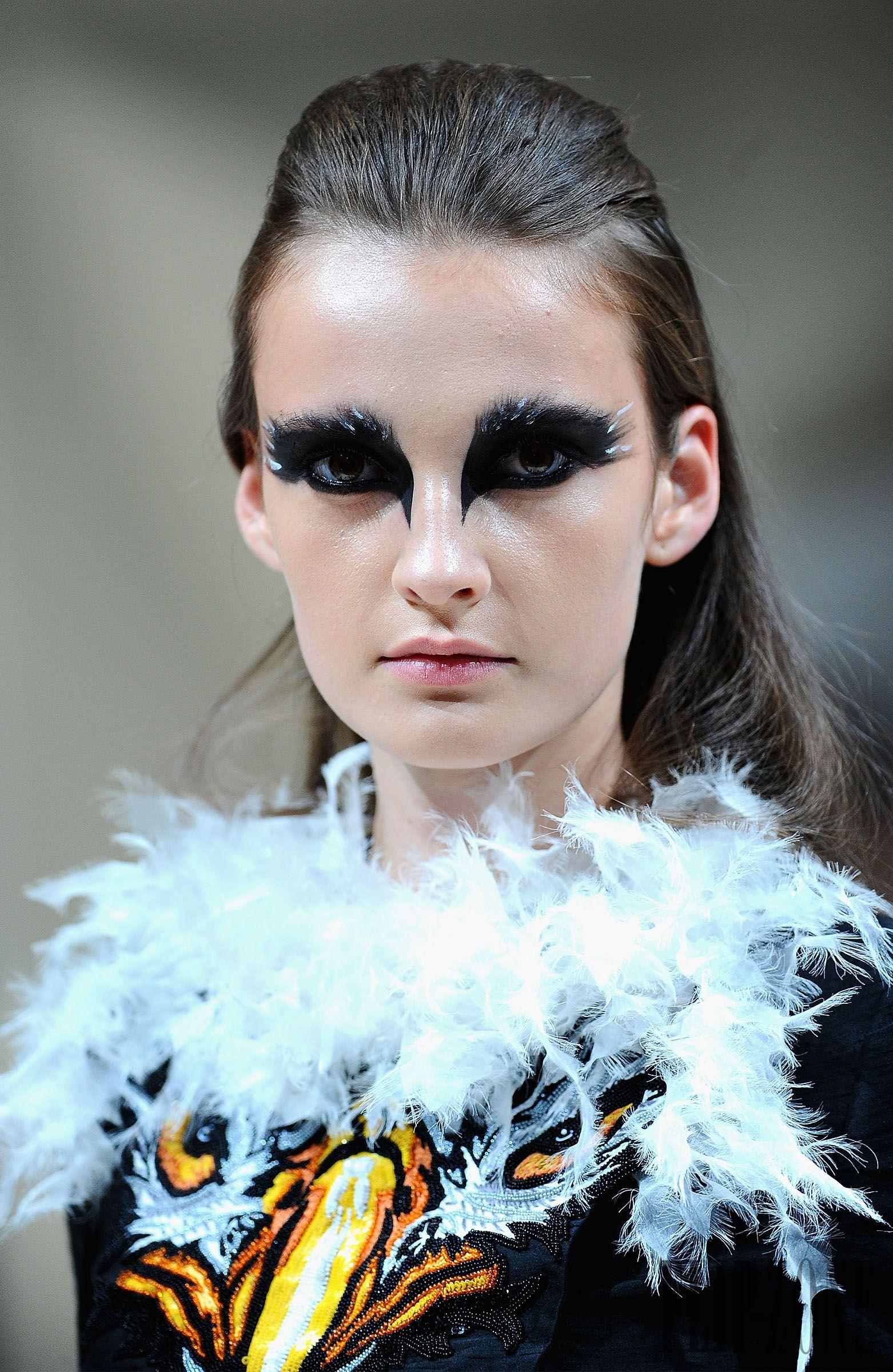 Jean Louis Sabaji Automne-hiver 2014-2015 - Haute couture - http://fr.flip-zone.com/jean-louis-sabaji-5128