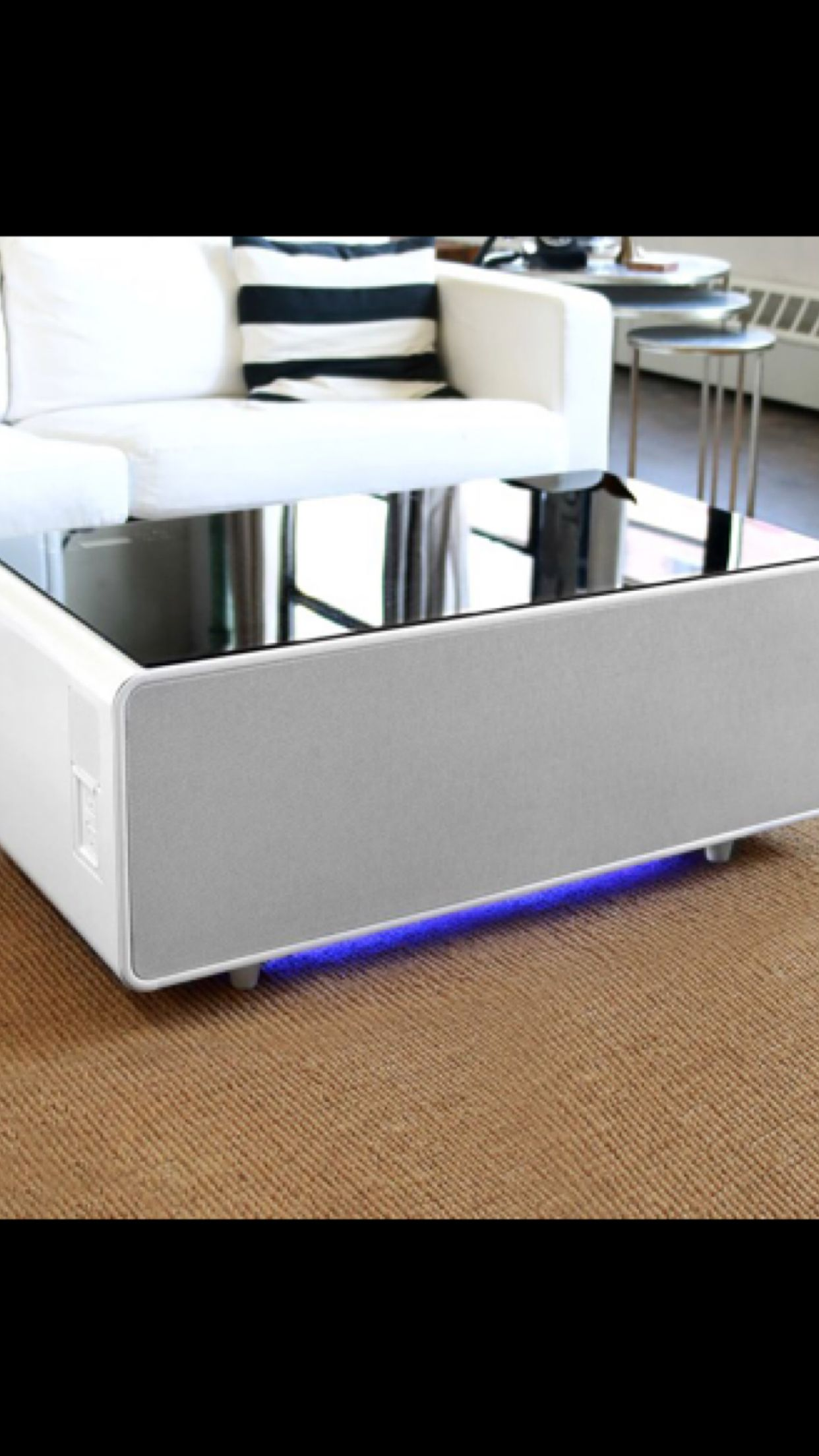 Sobro coffee table, usb, refrigerator and Bluetooth