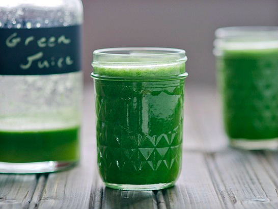 Spinach blueberry apple lemon green juice from the founders of spinach blueberry apple lemon green juice from the founders of blueprint malvernweather Images