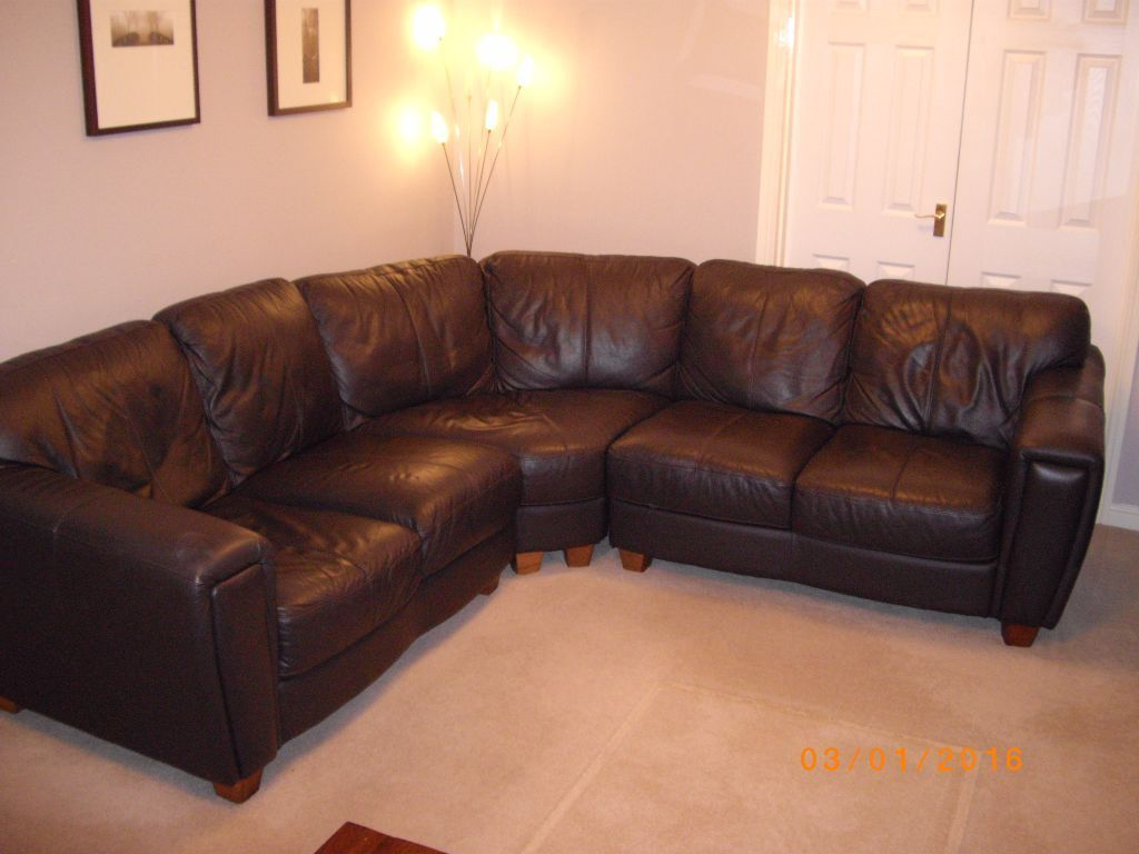 Leather Sofa Brown Dfs Reclining Two Seater 5 Corner On Gumtree The Measures Approx L 2m 60cm W 1m 5cm H 90cm It Is In