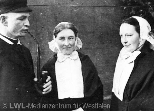 Nordrhein-Westfalen. Borkener Bürger in Sonntagstracht. ca. 1930 #Muensterland