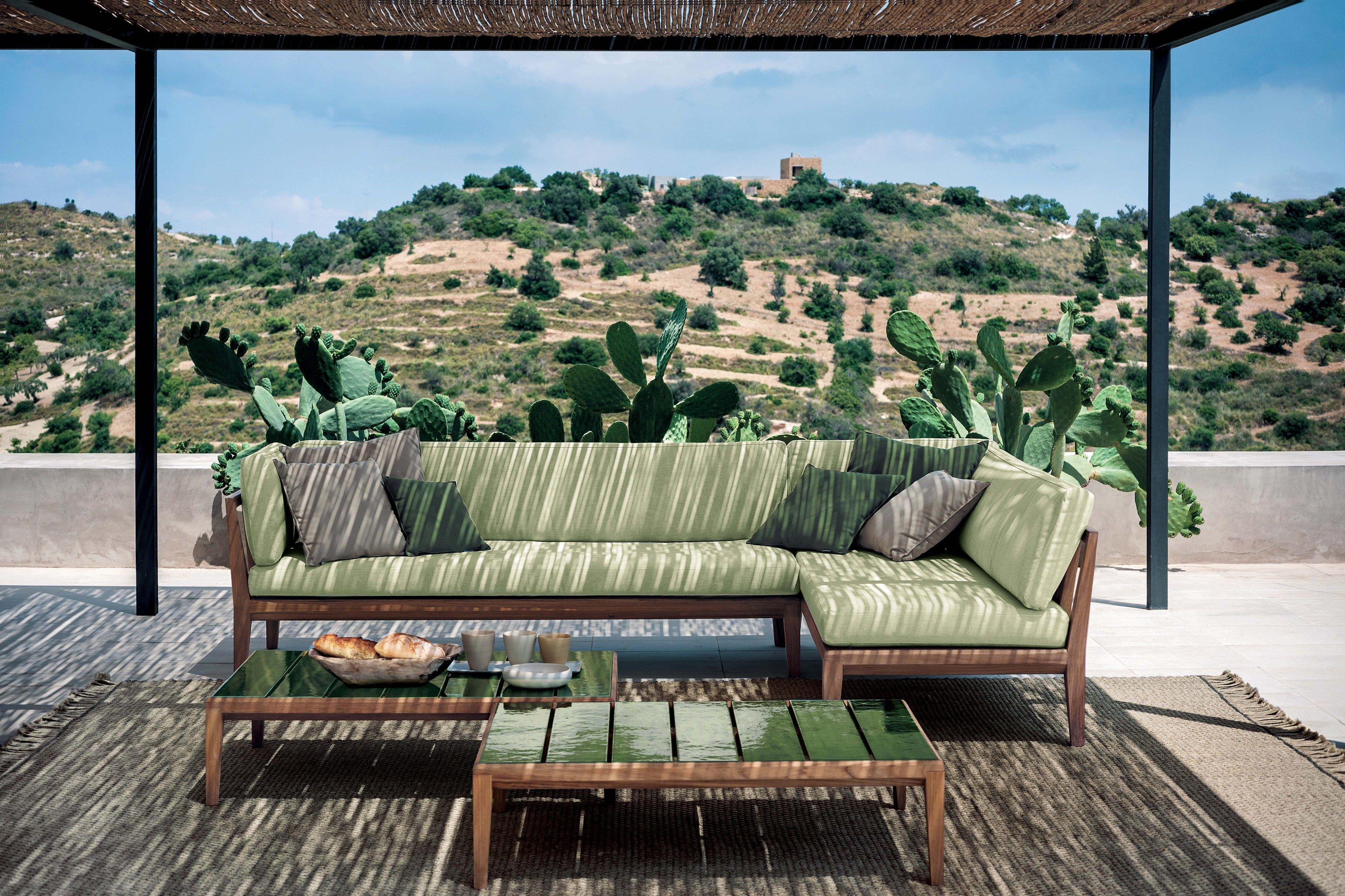 impressionnant de petit parasol balcon conception id es. Black Bedroom Furniture Sets. Home Design Ideas