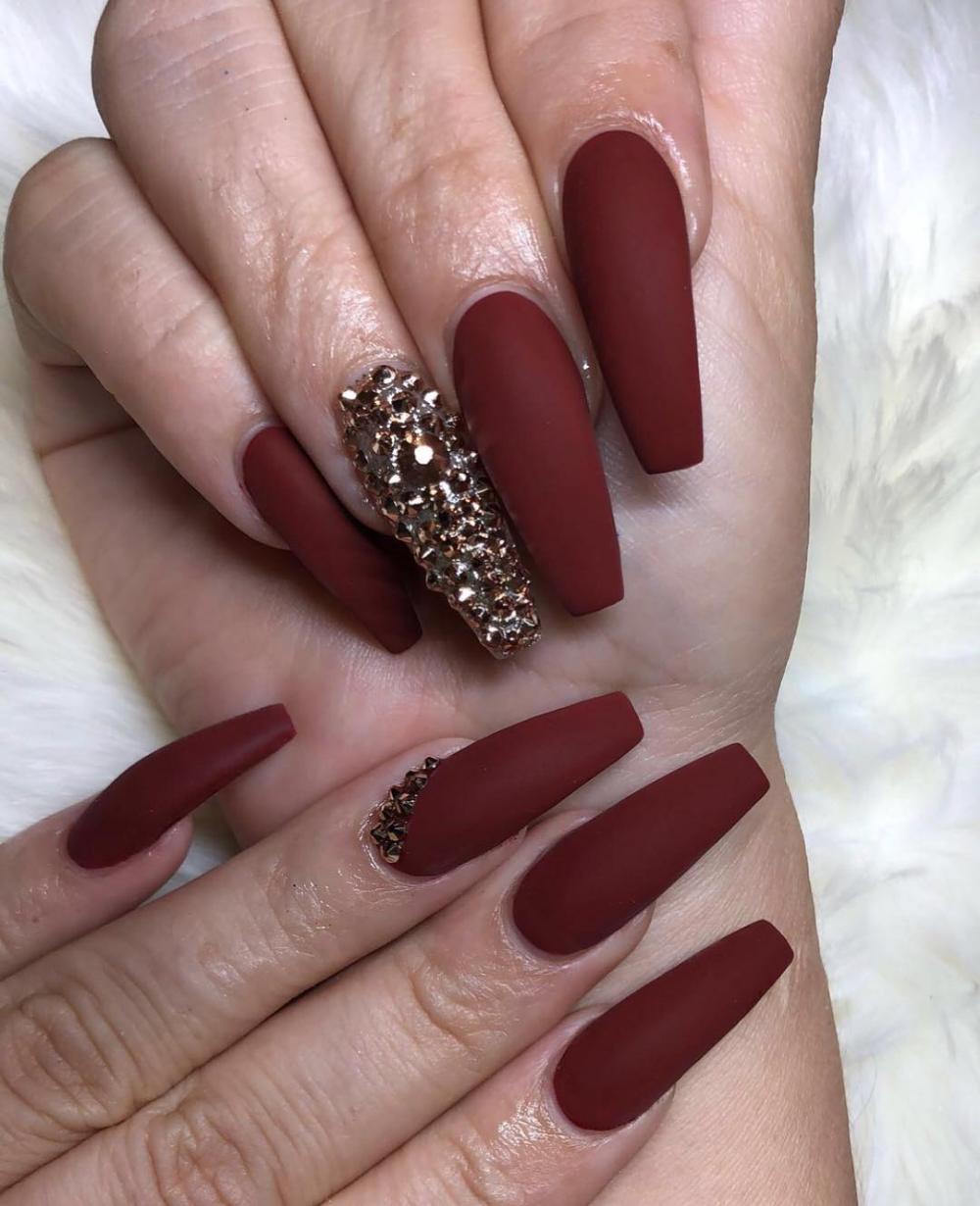 45 Burgundy Matte Coffin Nail Colors Designs For 2019 Awimina Blog Maroon Nails Rhinestone Nails Graduation Nails