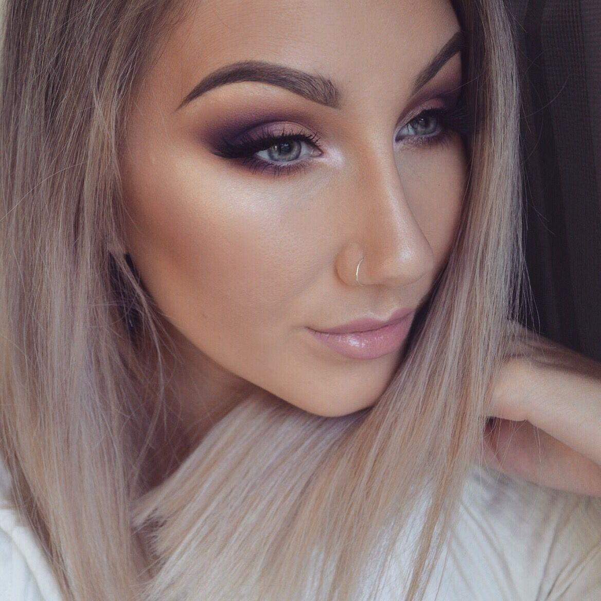 Neutral purple eyes Purple smokey eye, Purple eyeshadow
