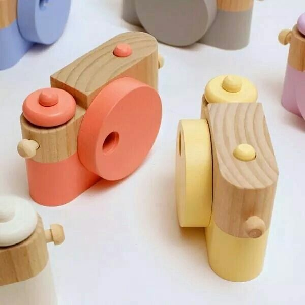 This Wooden Camera Is Powered By Imagination Not