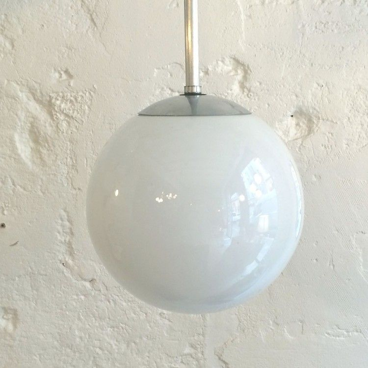 lustre vintage luminaire abat jour globe en verre opaline blanche diam tre 25 cm http www. Black Bedroom Furniture Sets. Home Design Ideas