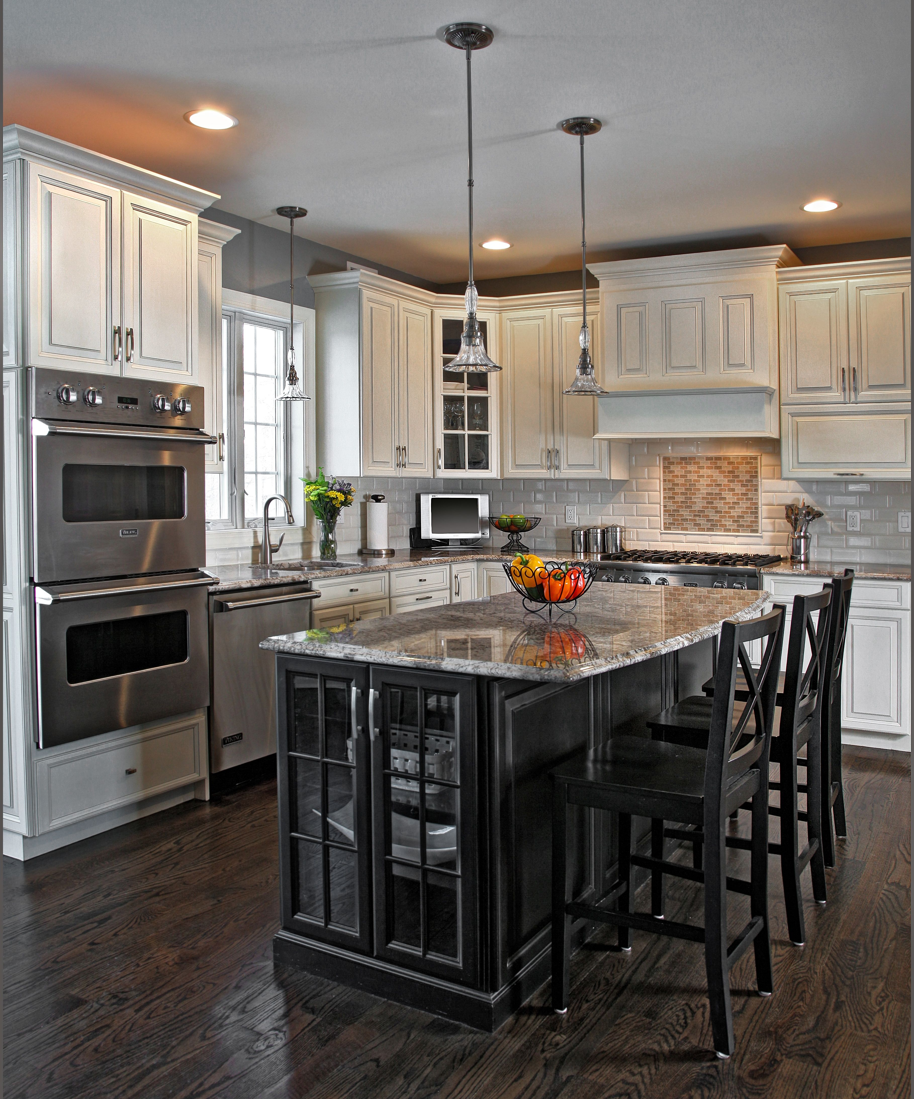 Galley Kitchen Ideas That Work For Rooms Of All Sizes: How To Make A Small Kitchen Look Good With Black Cabinets
