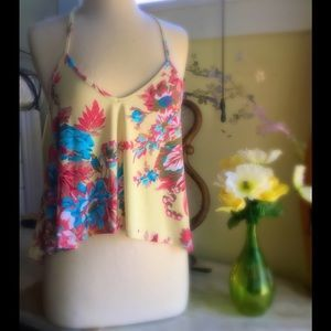 I just discovered this while shopping on Poshmark: Summer floral blouse SZ M…