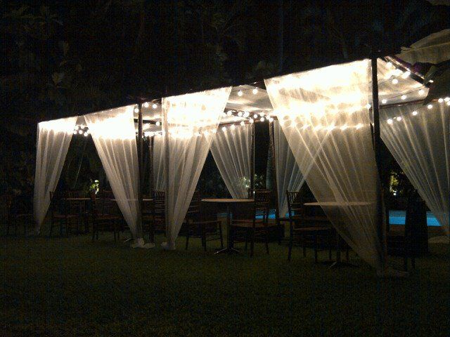 I like this small intimate wedding tent | Wedding Decor | Pinterest ...