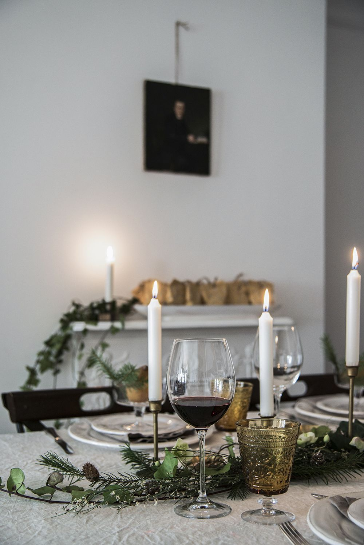 Mademoiselle Poirot Christmas table settings, Dinner