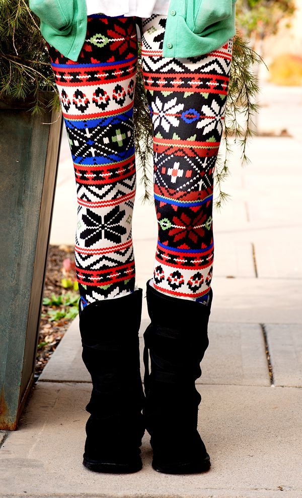 Digital Snowflake Leggings {agnesanddora} | DESIGN: fashion ...