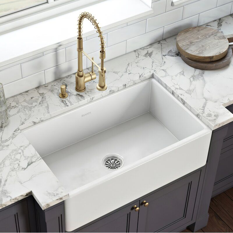 33 L X 20 W Farmhouse Kitchen Sink In 2020 Farmhouse Sink Kitchen Apron Front Kitchen Sink Fireclay Farmhouse Sink