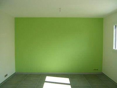 Intrieur Vert Papier Peint Vert Anis Sur Le Mur Du Salon Dco Intrieur Vert Pinterest