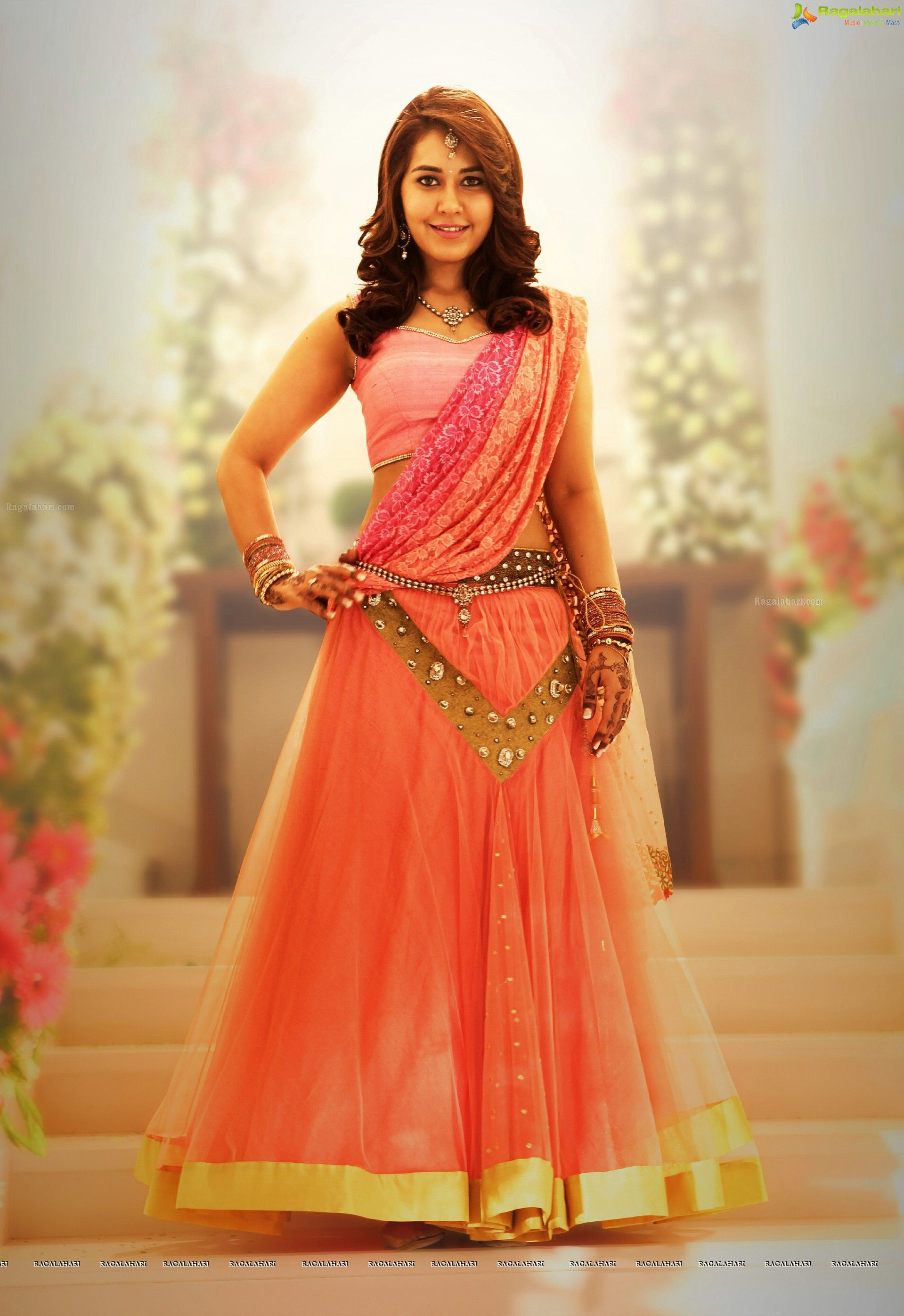 Bollywood Actress Raashi Khanna High Definition Photos - Image 1 ...