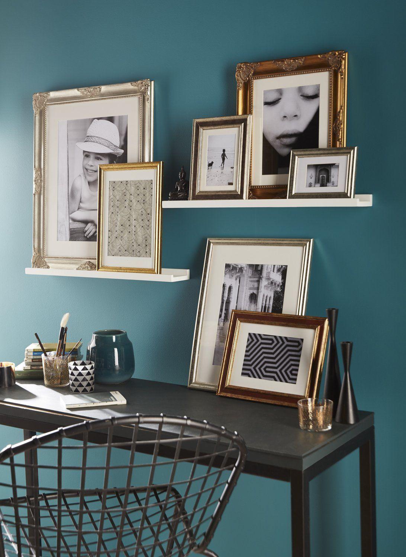 Decorer Les Murs Avec Des Cadres Etagere Cadre Decoration Mur Salon Deco Mur Salon
