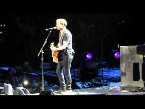 """Keith Urban """"Making Memories Of Us"""" Nashville 2014"""
