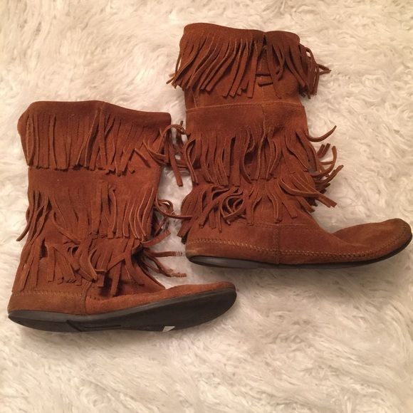 Fringed 3 layer boots Super cute Pre loved please look at pics for visual signs of wear need cleaning awesome condition Minnetonka Shoes Ankle Boots & Booties