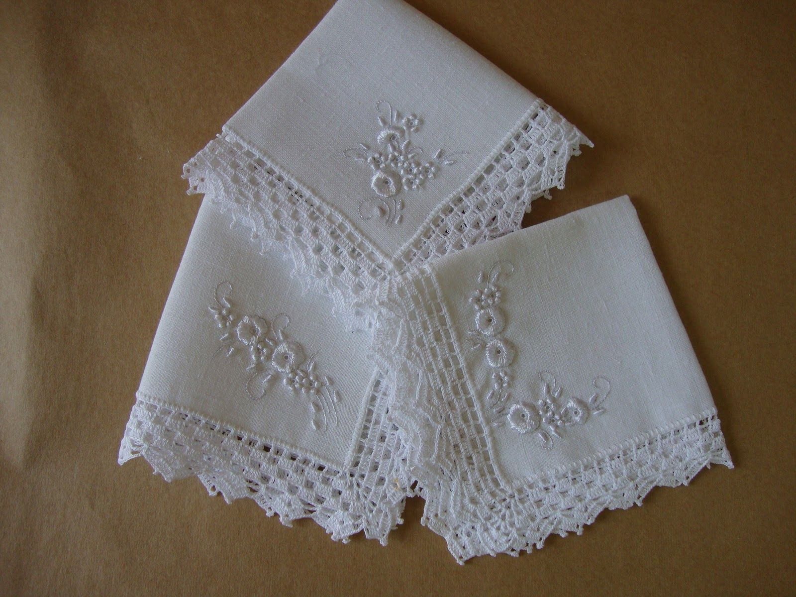 3961fcd54 guardanapo bordado de tecido