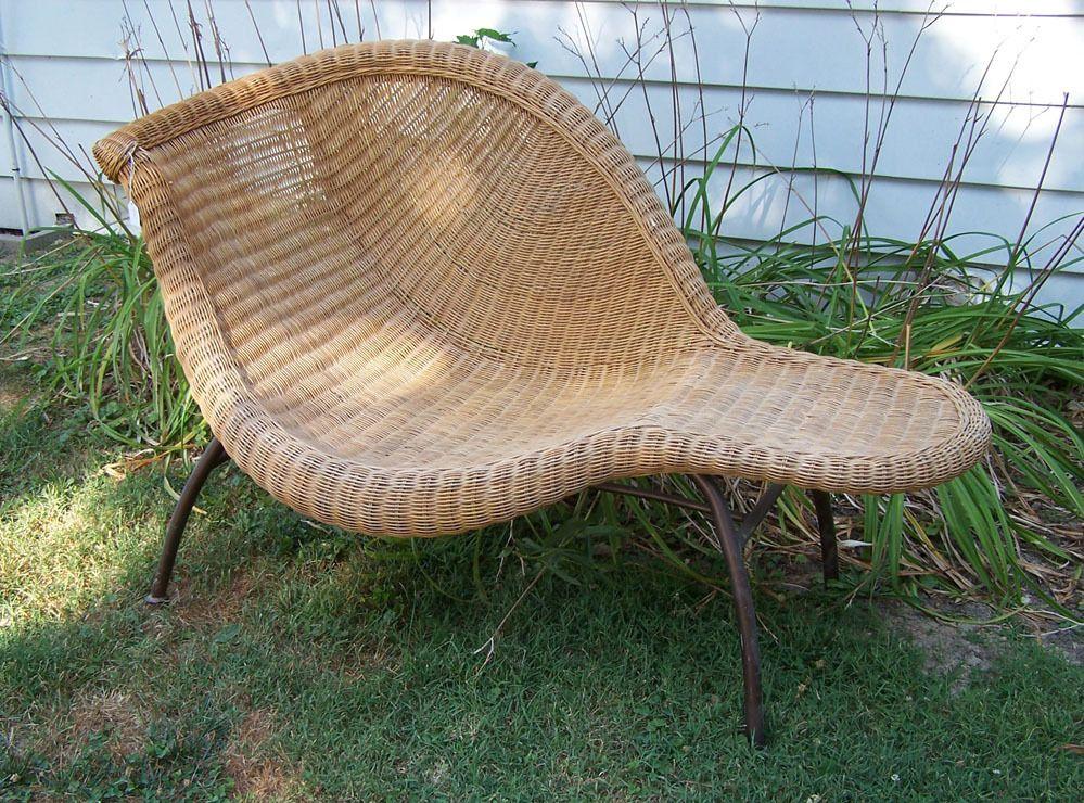 Vintage Mid Century Modern Wicker Lounge Chair With Metal Legs Ebay Wicker Lounge Chair Wicker Modern Wicker Outdoor Furniture
