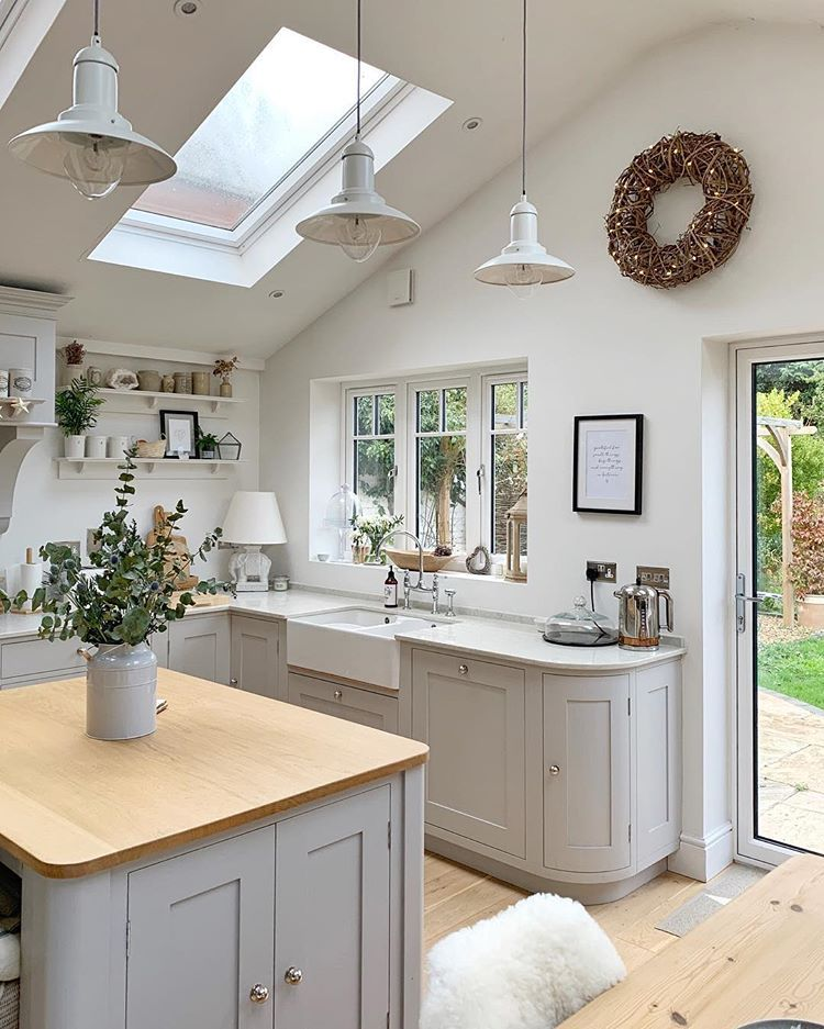 All is calm bright thanks to the extended amount cleaning  have also kitchen designed by sims hilditch for cotswold country house rh pinterest