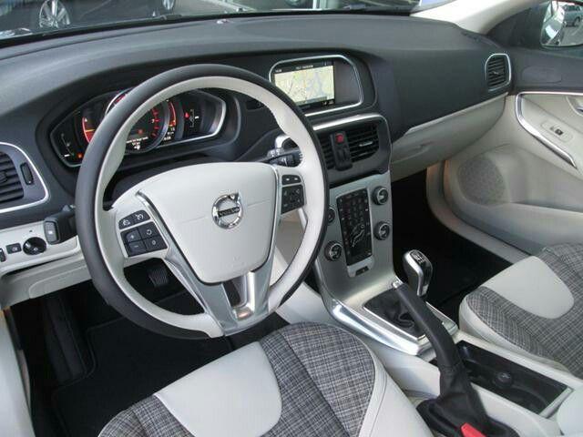 Volvo v40 2017 interior!! | volvo!!! | Pinterest | Volvo v40, Volvo ...